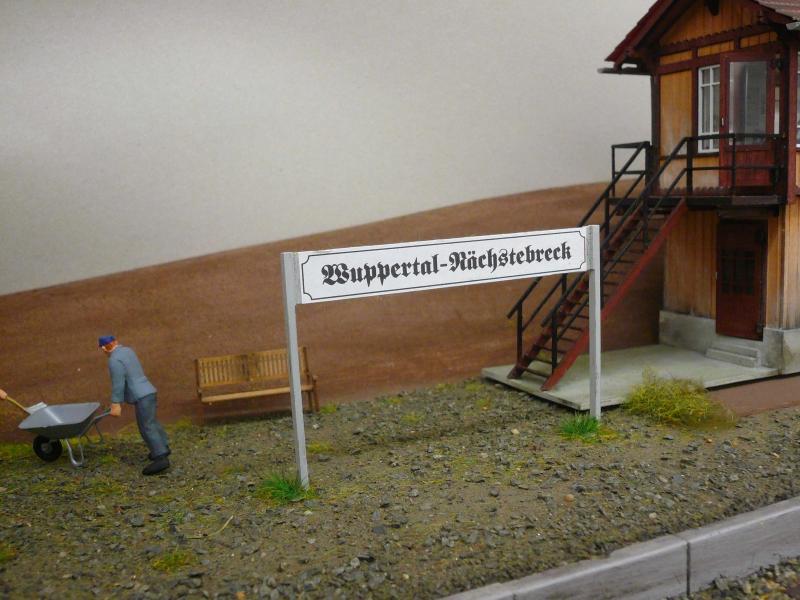 Bahnhofsschild